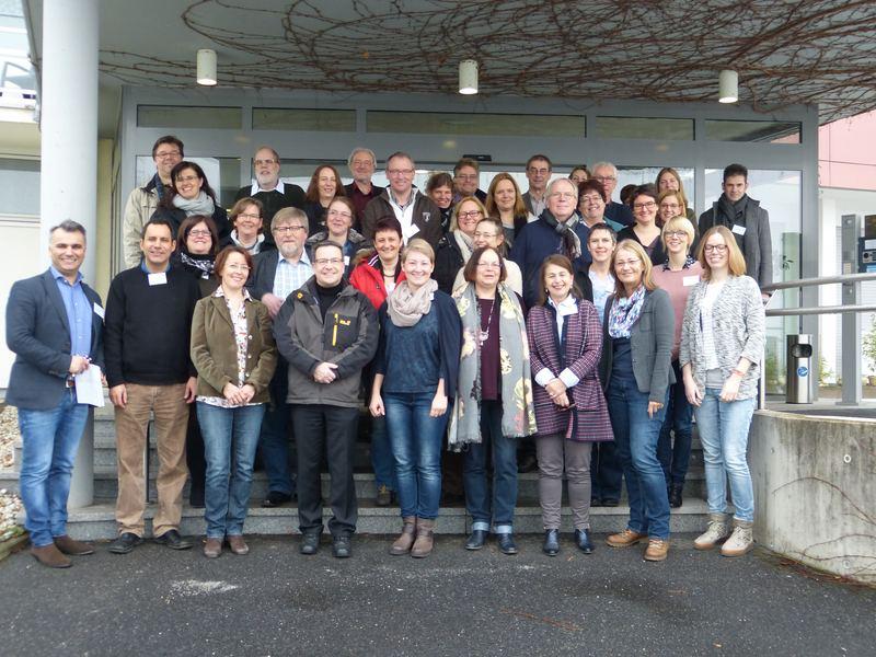 """Teilnehmerinnen und Teilnehmer des """"Finanzwissen macht Schule"""" Jahrestreffen des Netzwerks Finanzkompetenz NRW. Foto: K. Haver, NUA"""