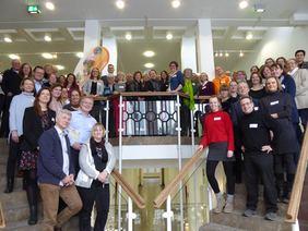 Gruppenfoto mit den Netzwerkmitgliedern und der Ministerin Frau Ursula Heinen-Esser, Ministerin für Umwelt, Landwirtschaft, Natur- und Verbraucherschutz des Landes Nordrhein-Westfalen. Foto: NUA NRW