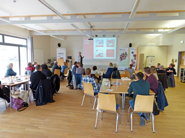"""Vortrag zum Thema """"Kinder brauchen Taschengeld"""". Foto: NUA NRW"""